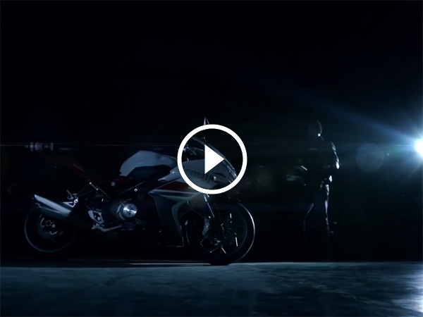 Benelli TNT 302R Official Video Debuts