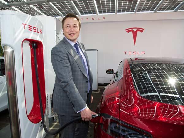 Andhra Pradesh And Telangana Wooing Tesla Motors