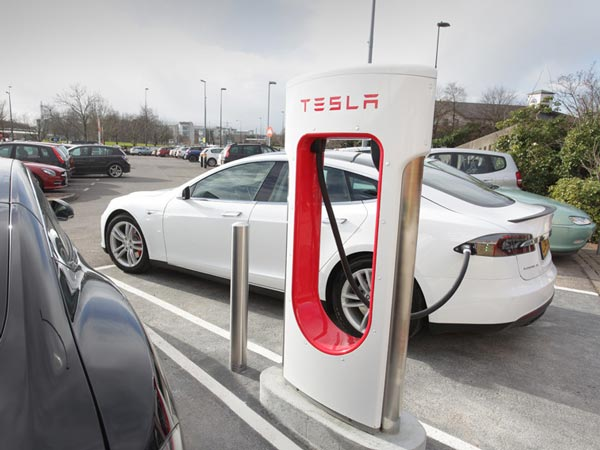Tesla Recalls Charging Adapters Due To Oveheating