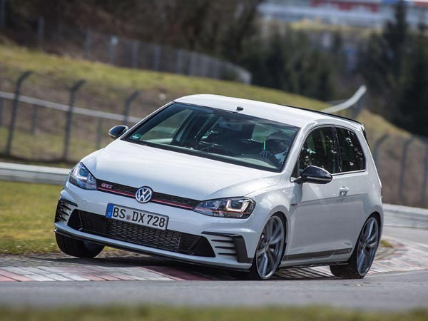 VW Golf GTI Clubsport S Blows Its Own Nurburgring FWD Record — Video