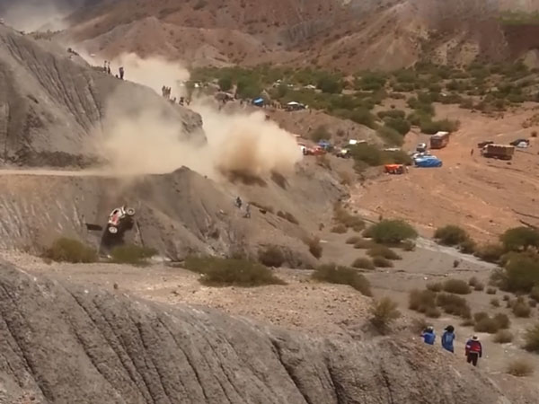 Dakar 2017: Carlos Sainz Tumbles Down; Nearly Takes Out Two Spectators