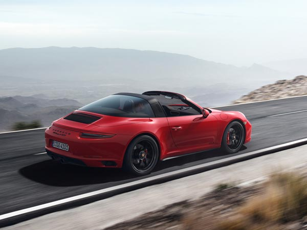 Creative 2017 Porsche 911 GTS Revealed  DriveSpark