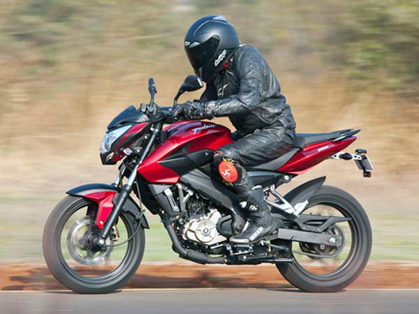 2017 Bajaj Pulsar 200NS Spied At Dealership Stockyard