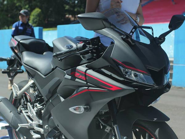 yamaha r15 v3 0 the most powerful 150cc motorcycle detailed