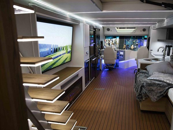 Elysium Motor Home Comes With Its Own Helicopter