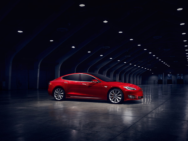 Video: Tesla Model S Hits 100 Km/h In 2.389 Seconds; Fastest Accelerating Production Car?