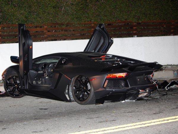 Chris Brown S Lamborghini Aventador Crashed Drivespark