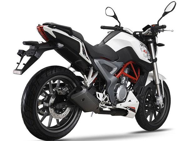 Yamaha FZ 25 Vs Benelli TNT 25 Comparison