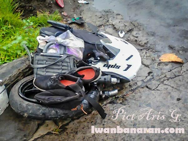 Kawasaki Ninja 250R Split In Half After A Horrific Crash In Indonesia