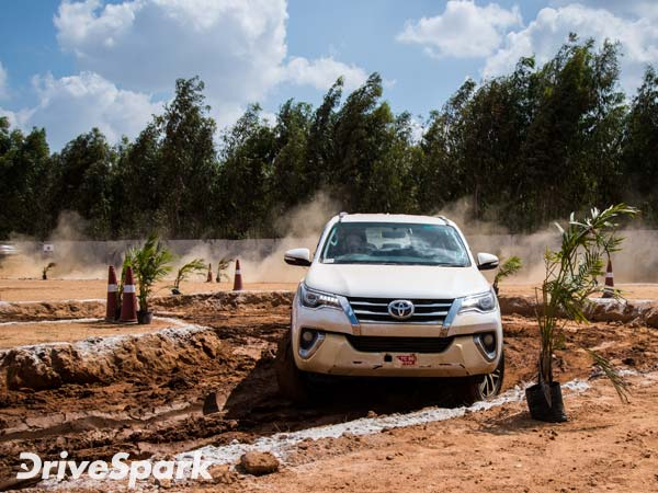Toyota Fortuner Receives Tremendous Response; Garners 10,000 Bookings In Two Months