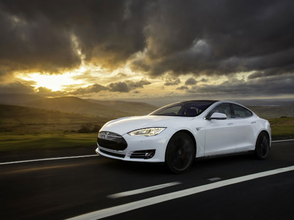 Tesla Cars Could Soon Join The Police Fleet In The UK