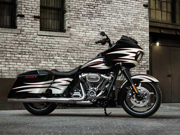 Delhi High Court Lawyer Dies On A Rented Harley-Davidson