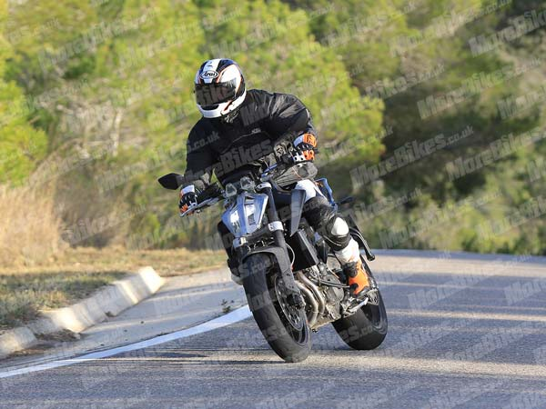 Spied: 2018 KTM 790 Duke Spotted Testing; Launch This Year