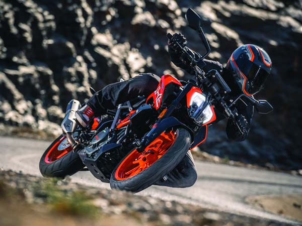 2017 KTM 390 Duke And 200 Duke India Launch Tomorrow? Bookings Started Unofficially