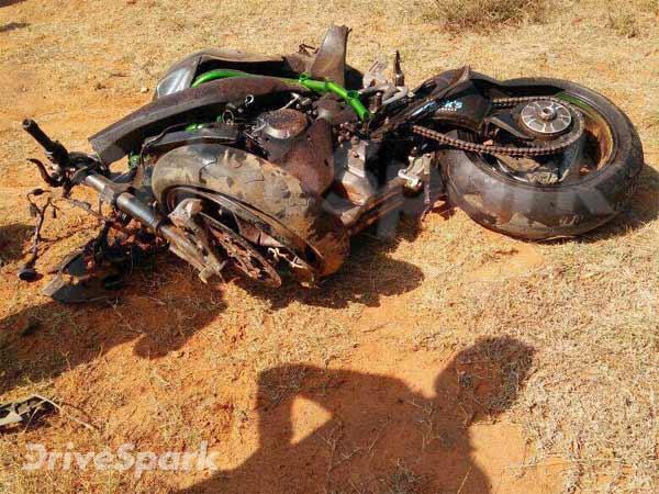 Kawasaki Ninja H2 Crashes At Taneja Hosur Details Drivespark