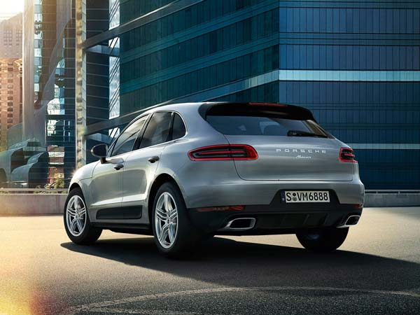 porsche considering all electric macan suv 911 hybrid drivespark news. Black Bedroom Furniture Sets. Home Design Ideas