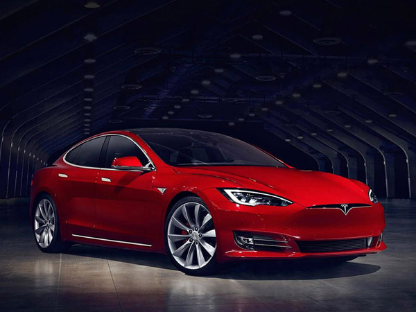 Tesla Will Discontinue Its Cheapest Car, The Model S Next Month