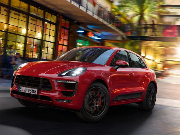 porsche considering all electric macan suv 911 hybrid drivespark. Black Bedroom Furniture Sets. Home Design Ideas