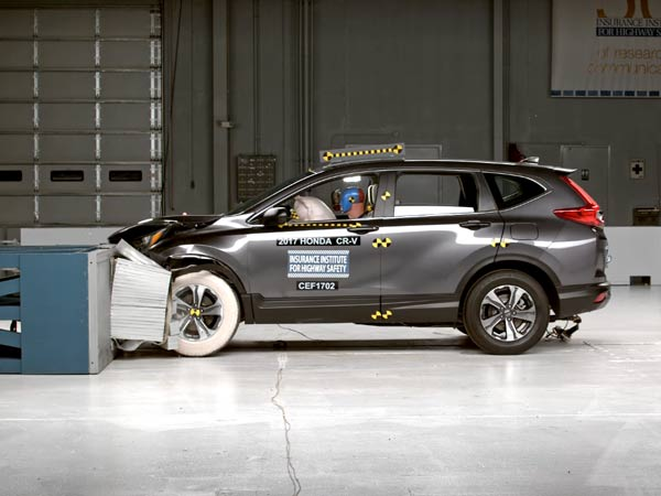 2017 honda cr v receives top safety ratings from iihs for Iihs honda crv