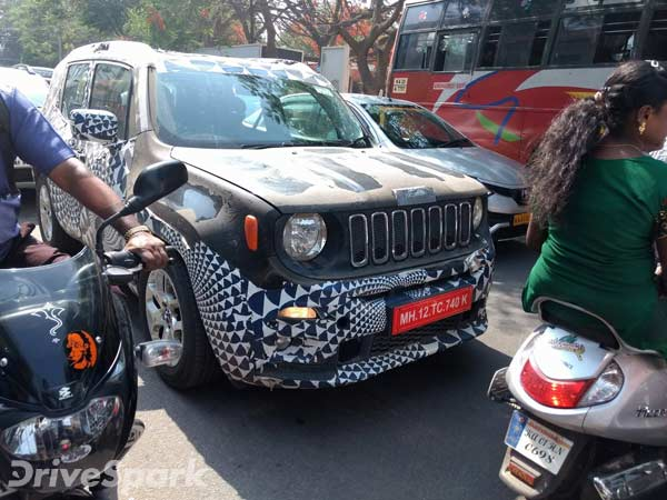 Spy Pics Jeep Renegade Spotted Testing In Bangalore Drivespark News
