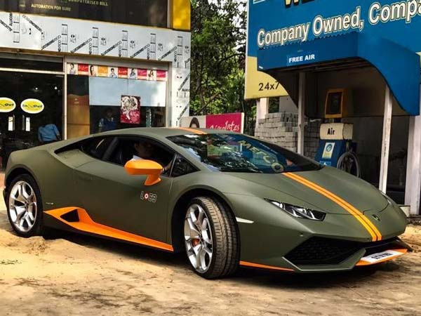 lamborghini huracan avio makes its way to kolkata drivespark. Black Bedroom Furniture Sets. Home Design Ideas