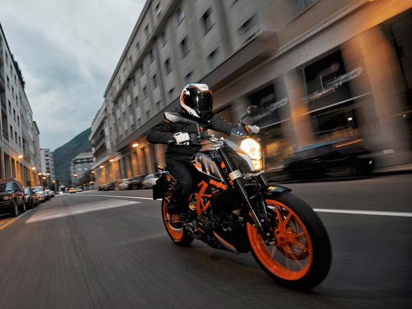 Can You Still Buy A KTM Duke 390 BS-III Model? Here Is Your Answer