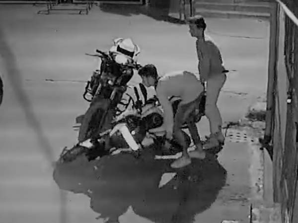 Watch how thieves steal a locked bajaj dominar 400 drivespark