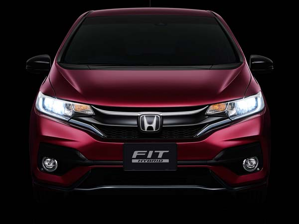 Leaked - Facelifted Honda Fit shows its credentials in Japan