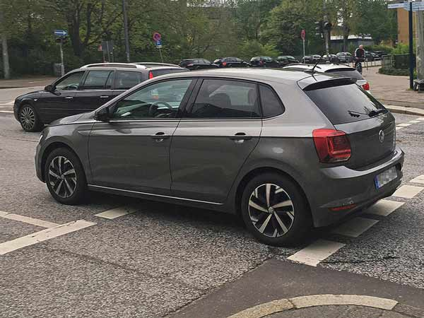2017 volkswagen polo spotted completely undisguised drivespark news. Black Bedroom Furniture Sets. Home Design Ideas