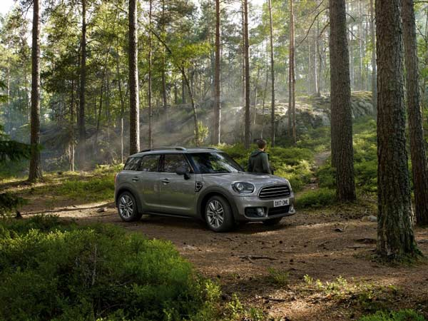 MINI Updates Its Range; Receives New Features