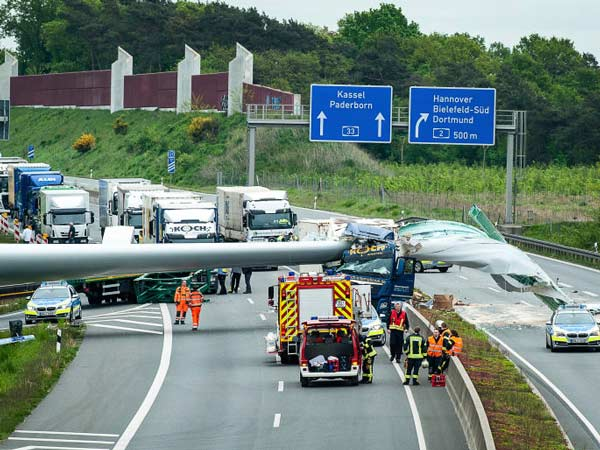 Giant Wind Turbine Blade Cuts Through A Truck; Shuts Down The Road