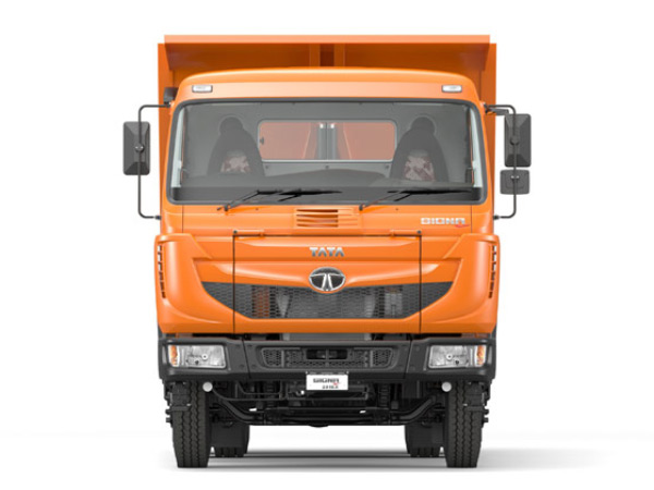 Tata Motors Launches Bs Iv Compliant Commercial Vehicles