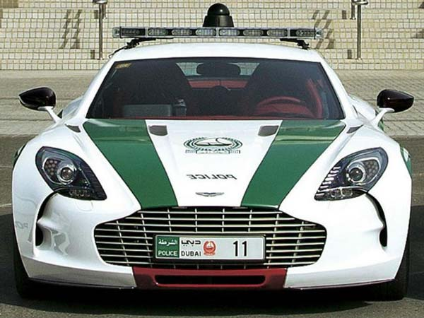 Did The Delhi Police Get An Aston Martin Rapide For Patrolling Drivespark