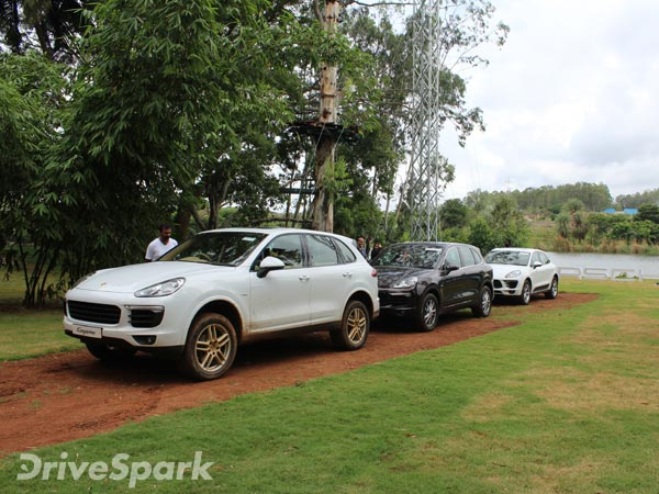 porsche cayenne macan off road capabilities explored. Black Bedroom Furniture Sets. Home Design Ideas