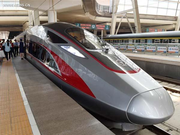 China Debuts Its Fastest Bullet Train 'Fuxing' - DriveSpark