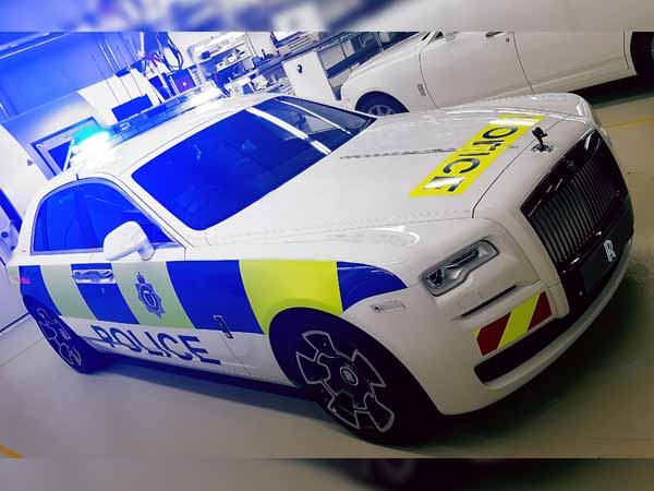Rolls Royce Displays Police Car In The Uk Drivespark News