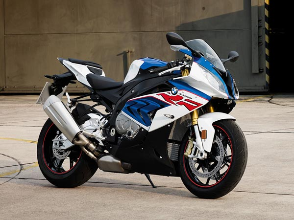 no new bmw s1000rr for 2018 reveales carb filings drivespark news. Black Bedroom Furniture Sets. Home Design Ideas