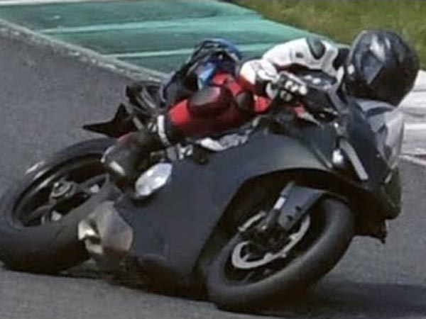 Ducati Reveals 210bhp Desmosedici Stradale V4 Engine