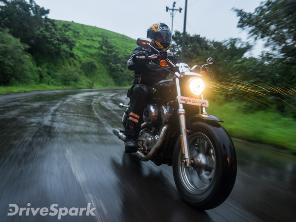Review: Harley Davidson 1200 Custom First Ride