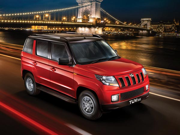Mahindra TUV300 T10 Launched In India; Launch Price, Specifications & Images