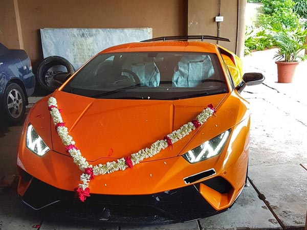 first ever lamborghini huracan performante enters india drivespark news. Black Bedroom Furniture Sets. Home Design Ideas