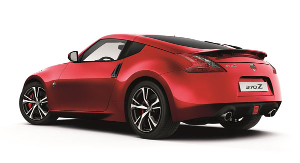 nissan 370z facelift rear three quarter profile