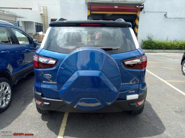 Spy Pics: Ford EcoSport Facelift Titanium S Trim Spotted Ahead Of Launch