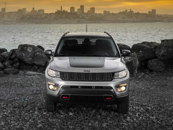 jeep india begins production of compass trailhawk. Black Bedroom Furniture Sets. Home Design Ideas