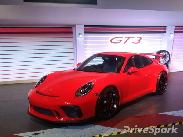 porsche 911 gt3 launched in india launch price specifications images drivespark. Black Bedroom Furniture Sets. Home Design Ideas