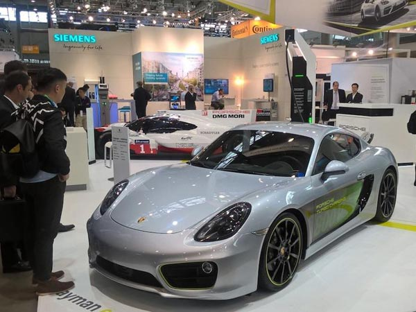 Porsche Cayman E Volution Unveiled
