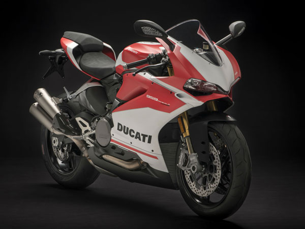 2017 EICMA Motorcycle Show: 2018 Ducati 959 Panigale Corse Revealed