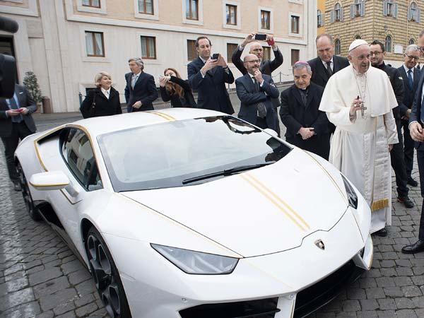 Pope auctions Lamborghini to rebuild Christian Iraq