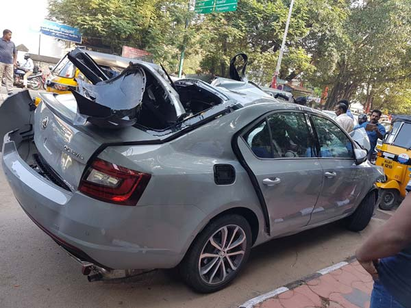India S First Skoda Octavia Rs Crash Reported In Kerala Drivespark