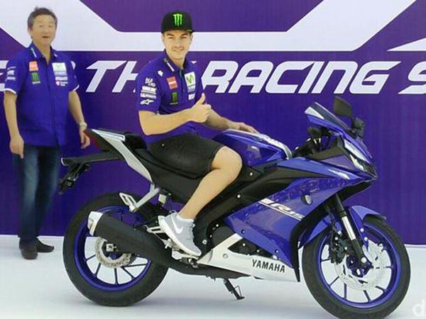 New Yamaha YZF-R15 V3 0 And YZF-R3 India Launch Details